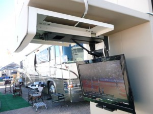 Rv Outside Flatscreen Side View Welcome To Rvtech